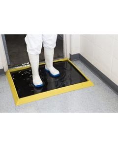"39"" x 32"" Sani-Trax® Plus Black/Yellow Rubber Sanitizing Mat"