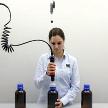 Handheld Pneumatic Bottle Capper (22-130mm) 14-110 in. lbs.